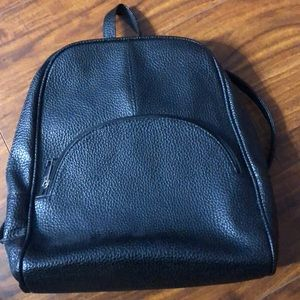 Bags - Black leather backpack